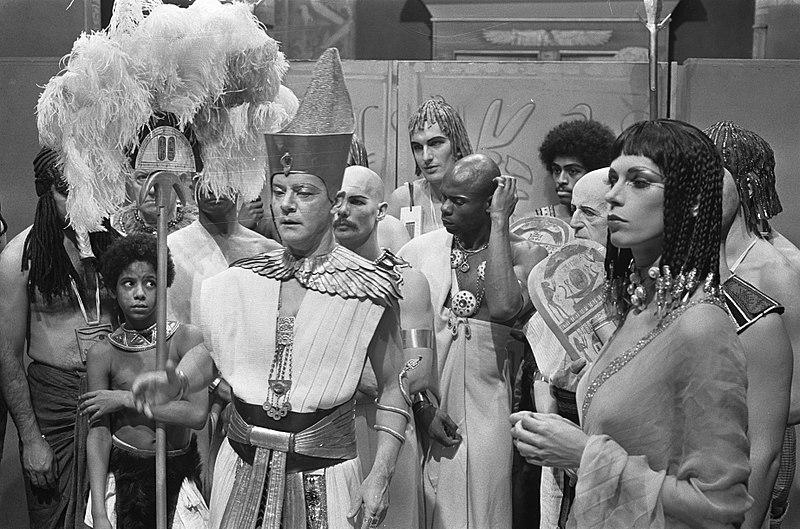 Ton van Duynhoven als farao Rhampsinitos, Cox Habbema als de prinses, VPRO, Herodotus tv-reeks